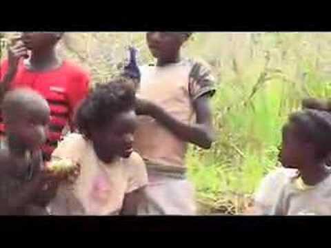 Waarmee spelen kinderen in Afrika